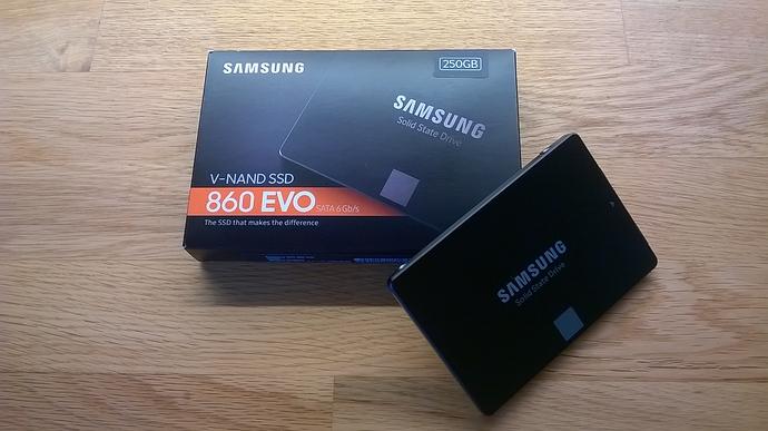 250GB-Samsung-860-EVO-SSD-01
